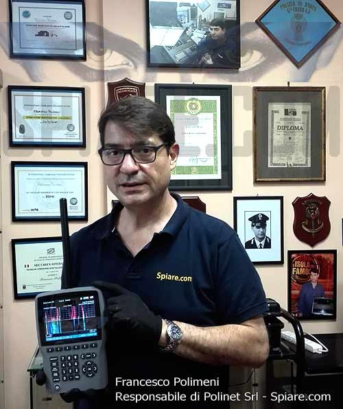 Francesco Polimeni responsabile Polinet Srl con Rilevatore di Microspie professionale per Bonifica Ambientale